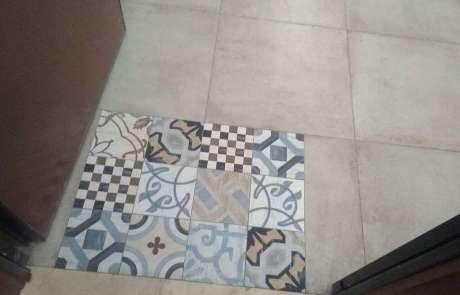 tappeto di cementine in ingresso