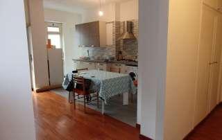 nuova cucina su misura dettaglio parquet e ceramica