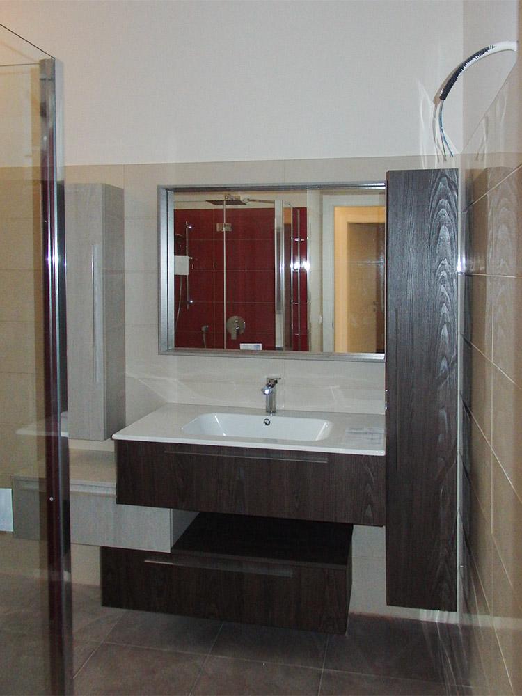 mobile bagno moderno effetto legno