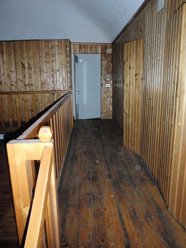 perline legno da rimuovere per restyling camera ingresso bagno