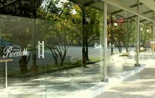 tenuta Rondello vetrata panoramica realizzata su disegno